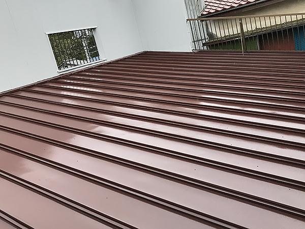 金属性の屋根塗装