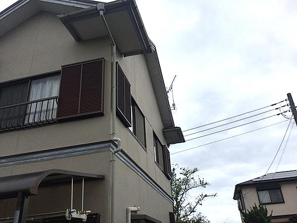 茨城県神栖市 外壁塗装 外壁の塗装と台風破損の軒天を同時に修復