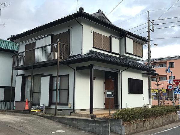 茨城県龍ヶ崎市 外壁塗装|台風被害のあった軒天と共に瓦も改修工事