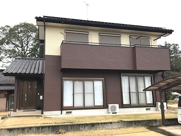 茨城県牛久市 外壁塗装|階を分けて塗分けた外壁が外観のアクセントに
