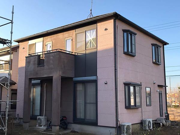 茨城県龍ヶ崎市 外壁塗装|既存の暖色系からシックな色合いの外壁に変更