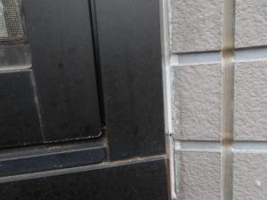 窓枠のコーキングの劣化
