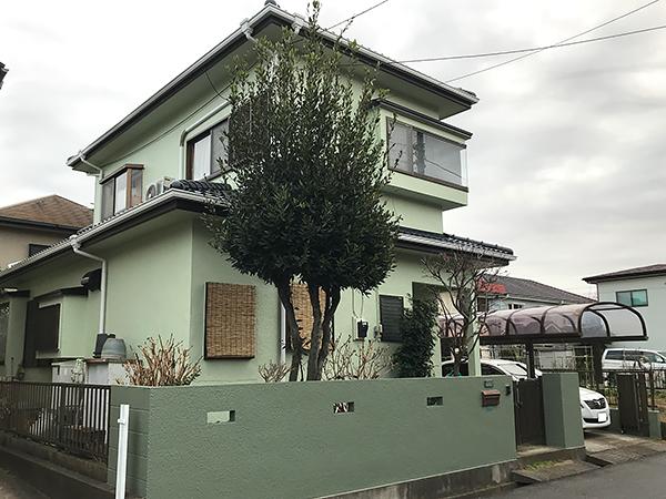 淡い緑の外壁塗装
