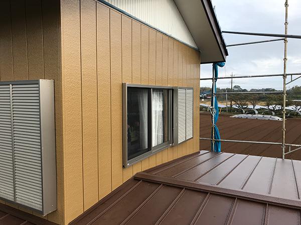 茨城県稲敷市 屋根雨漏り 水はけが悪く雨漏りしていた屋根材を葺き替え修繕