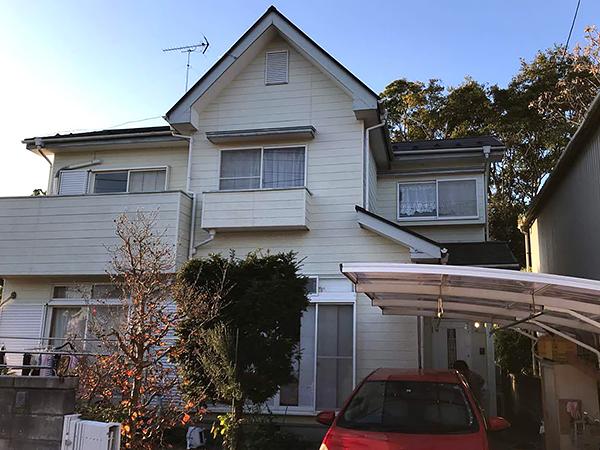 茨城県牛久市外壁屋根塗装工事 塗装を機に明るいイエローの外観に