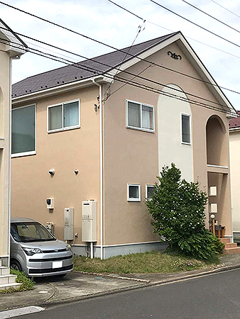 茨城県牛久市外壁屋根塗装工事 5分艶でややマットな仕上げに